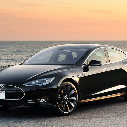 TESLA S Green Weekend